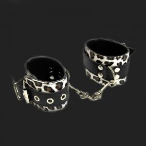 Leopard cuffs