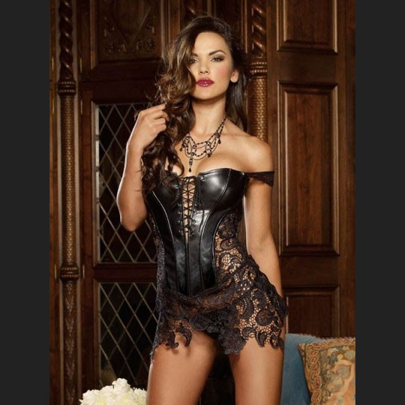 leather-and-lace-bdsm-michelle-brannan-naked